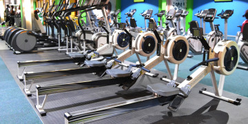 The indoor rowing machine area at Zone Fitness Sancardia